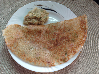 Onion rava dosa with coconut chutney