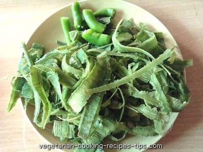 Dodka / ridge gourd peel and green chilies