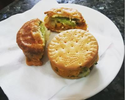 Ready to eat stuffed biscuit sandwich