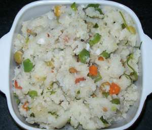 Onion rava upma recipe south indian recipe semolina cream of upma is a healthy breakfast or a filling snack my family loves to eat it at lunch or dinner too it can be a one dish meal with the many vegetables added forumfinder Choice Image