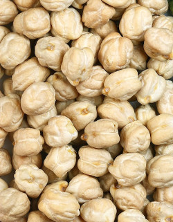white chickpeas - garbanzo beans Kabuli chana