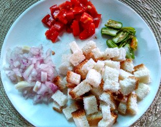 bread upma ingredients with cut bread pieces