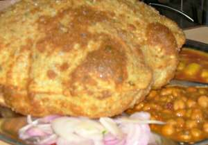 bhatura with chole