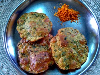 Methi poori - Fenugreek leaves puri with shenga chutney