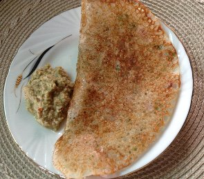 Rava dosa with coconut chutney