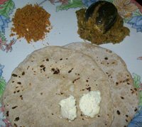 Bhakri - Jowar  roti with chutney and stuffed eggplant